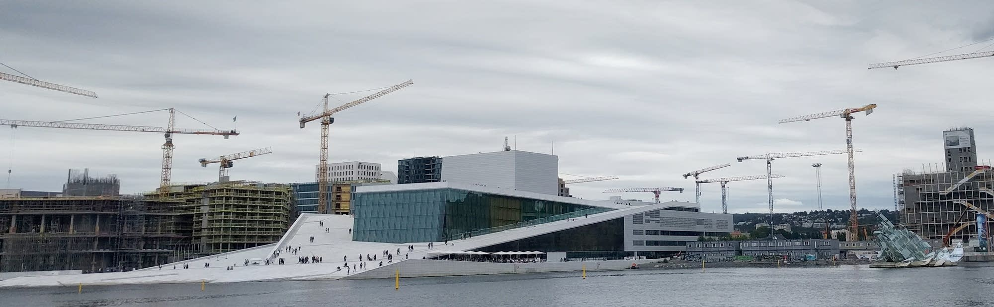 Oslo - 06 - cranes