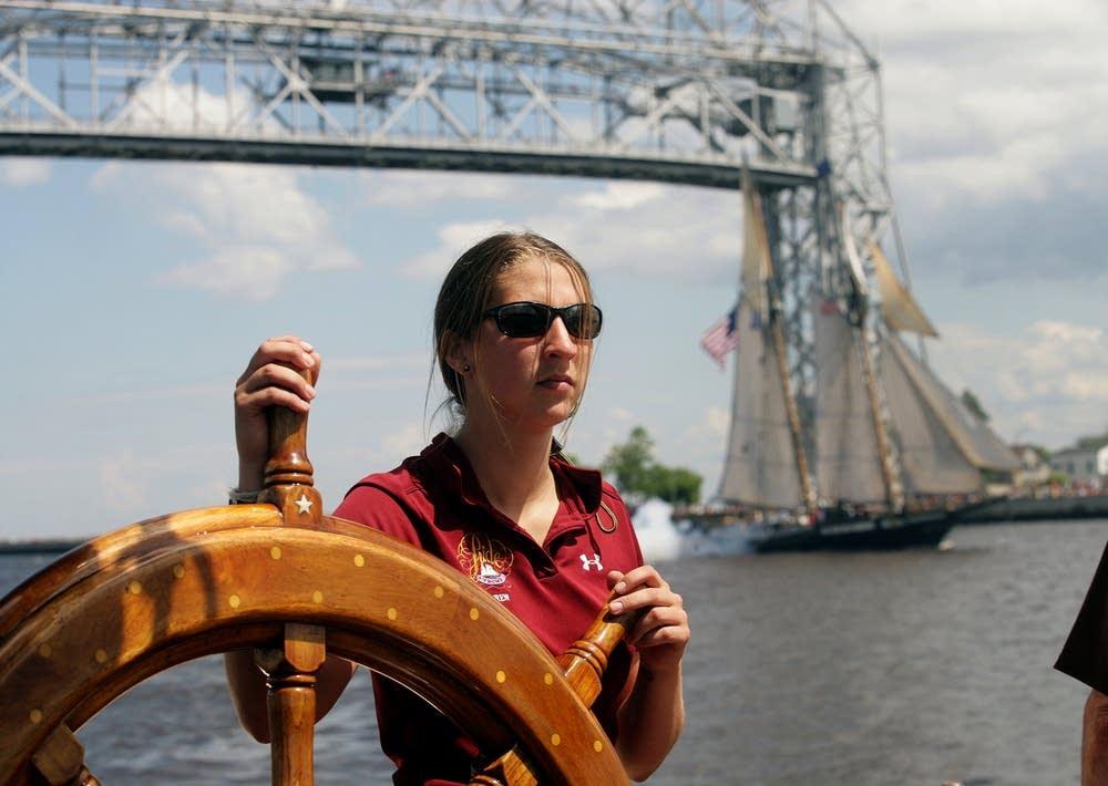 Navigating into harbor