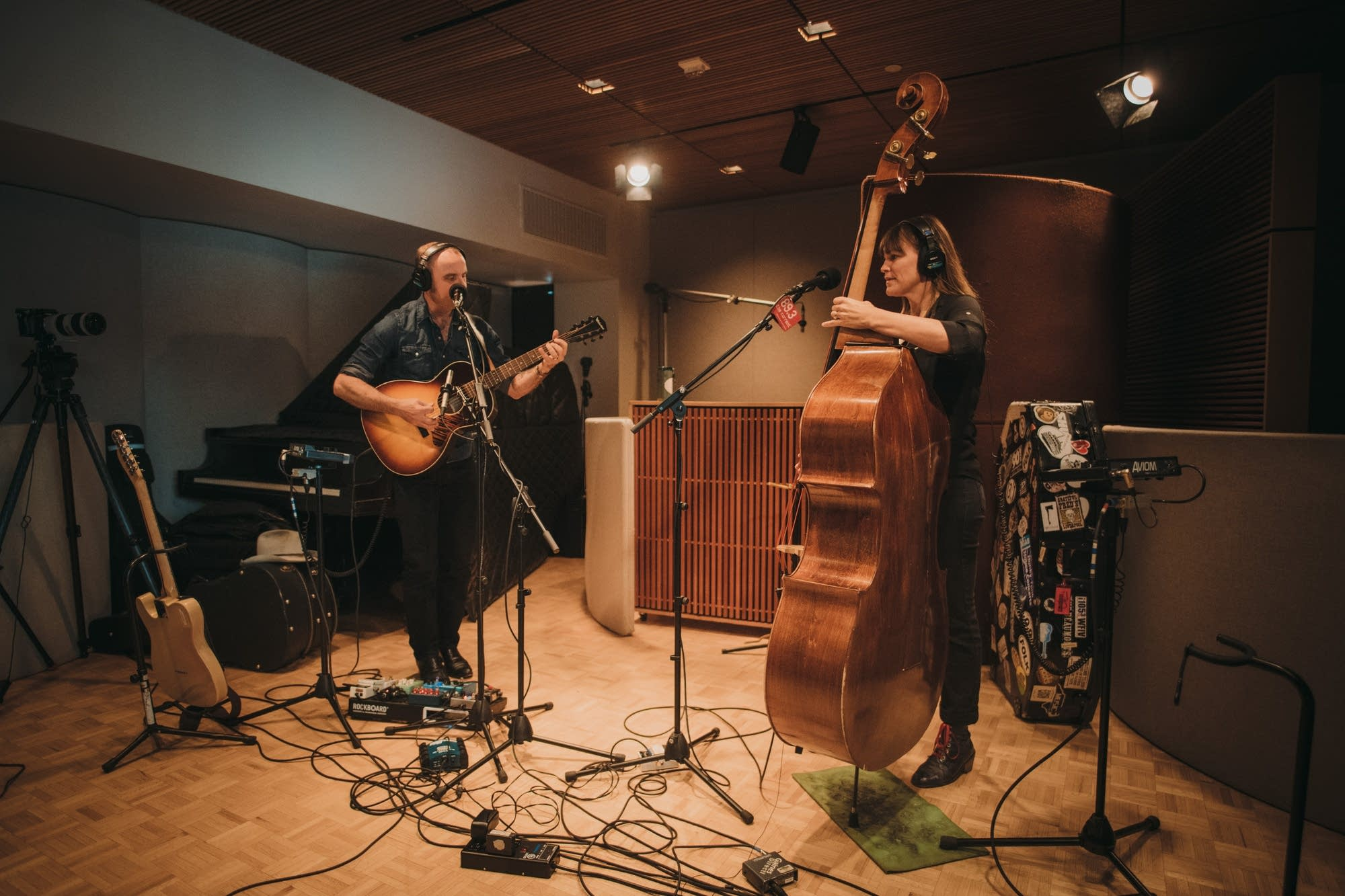 Wild Ponies perform at Radio Heartland
