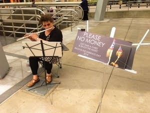 Diana Irving plays flute on Bach in the Subways Da
