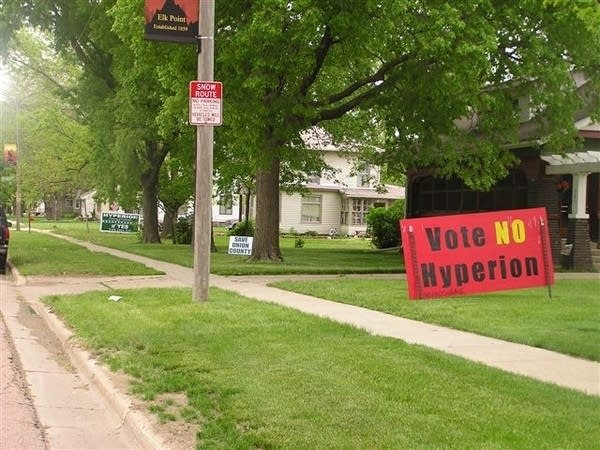 Competing yard signs