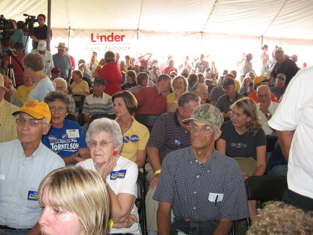 Debate crowd