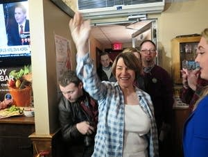 Sen. Amy Klobuchar campaigned at a tavern near Manchester, NH