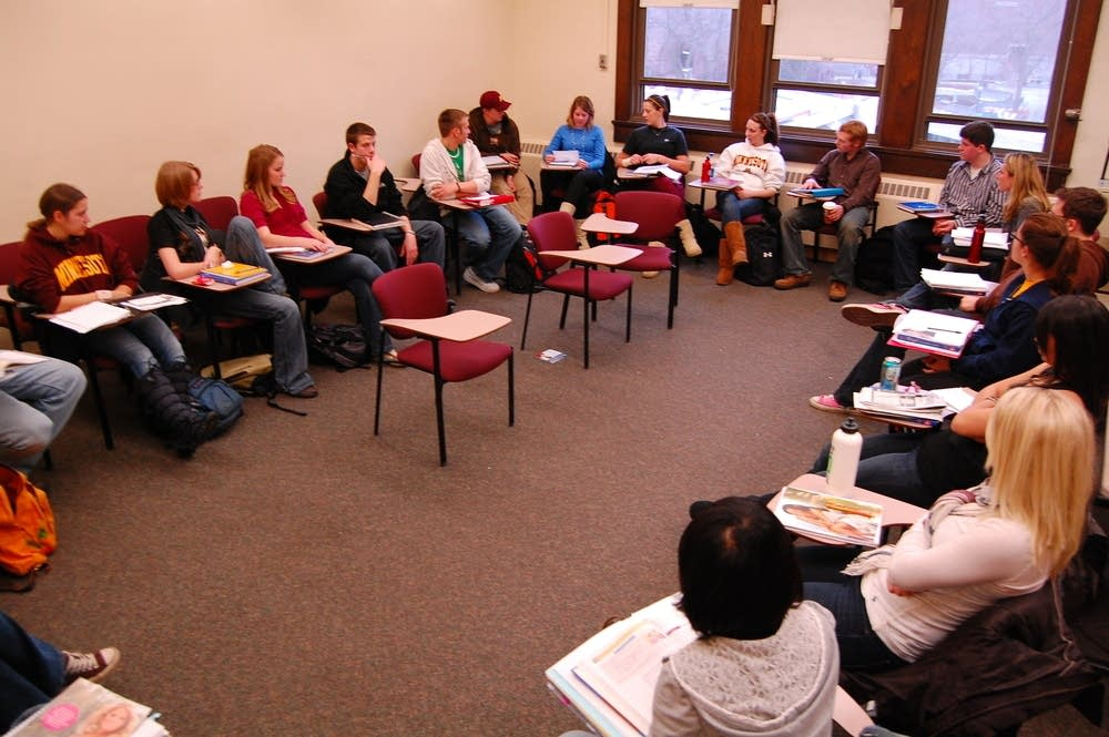 Students in Folwell Hall at the U of M