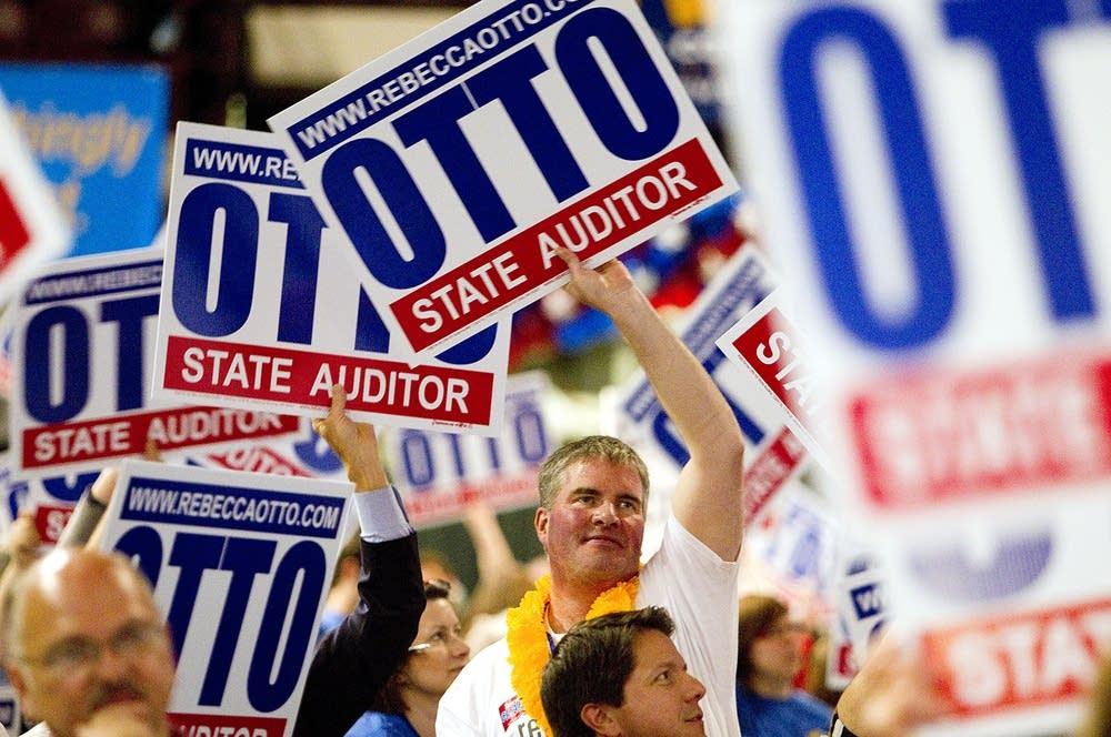 Otto signs