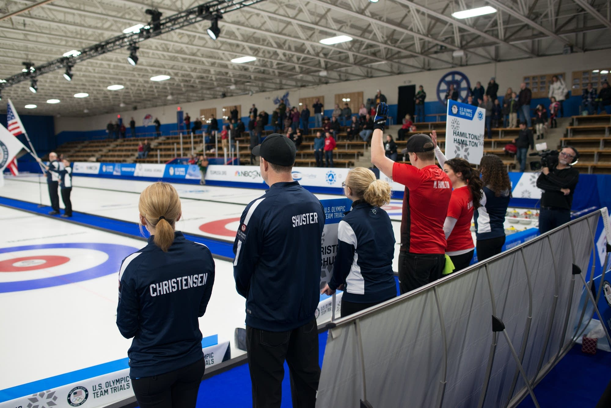 The final teams stand before the start of the finals.