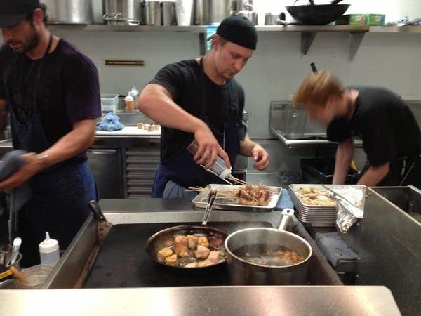 Travail kitchen staff