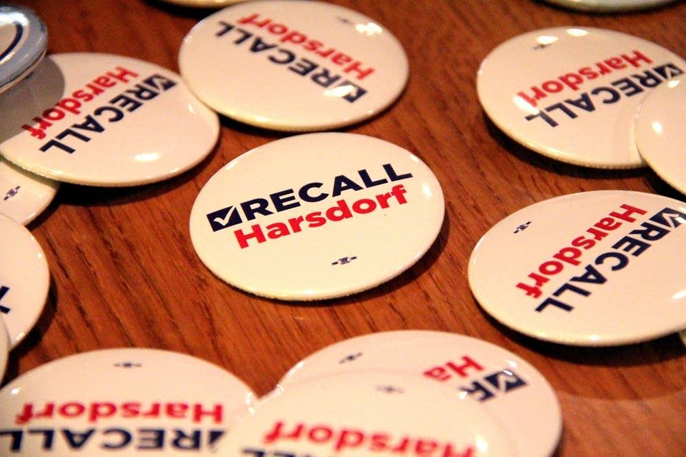Recall buttons