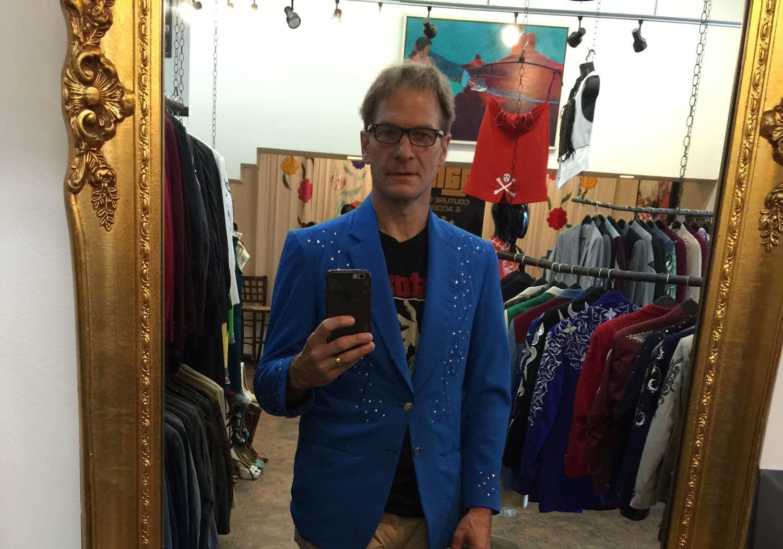 Jim McGuinn rhinestone jacket selfie