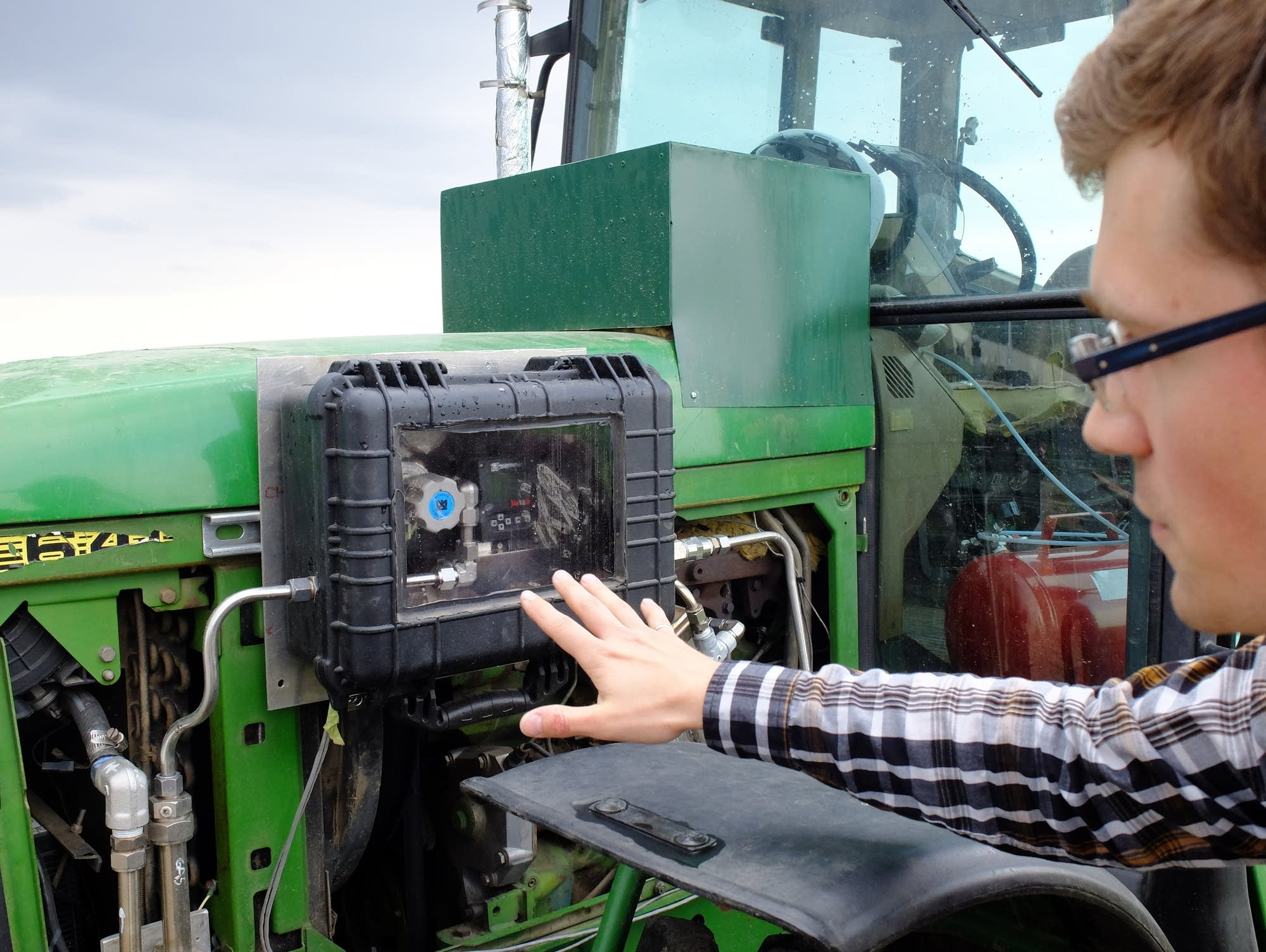 Can fertilizer fuel greener tractors? | MPR News