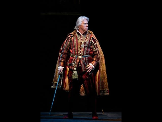 Dmitri Hvorostovsky as Don Carlo