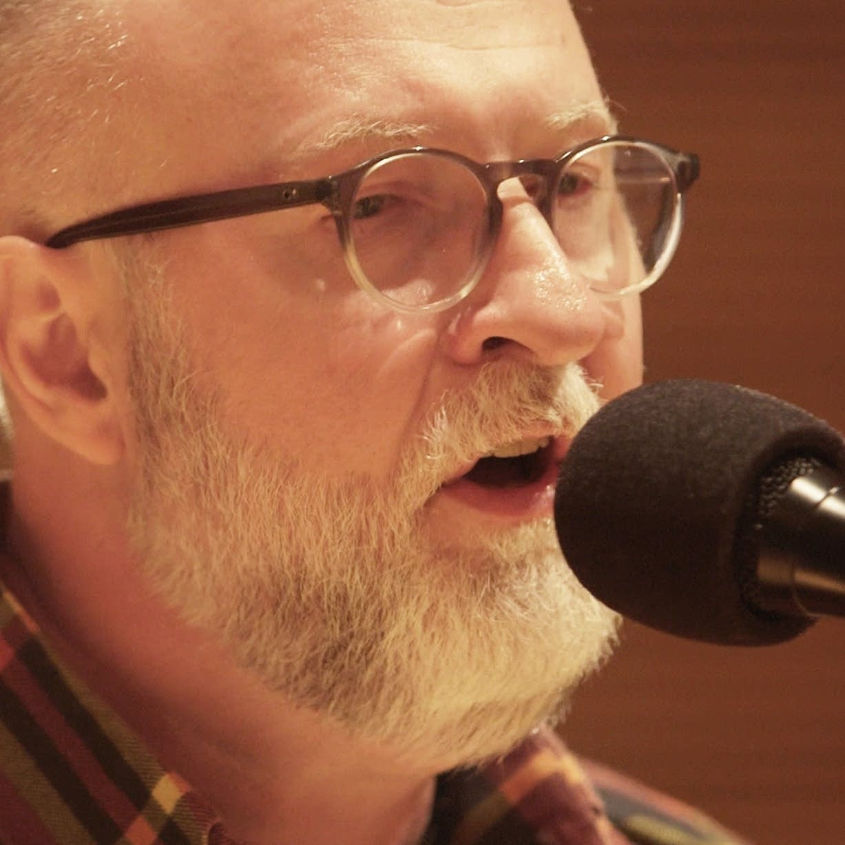 Bob Mould performs in The Current studio