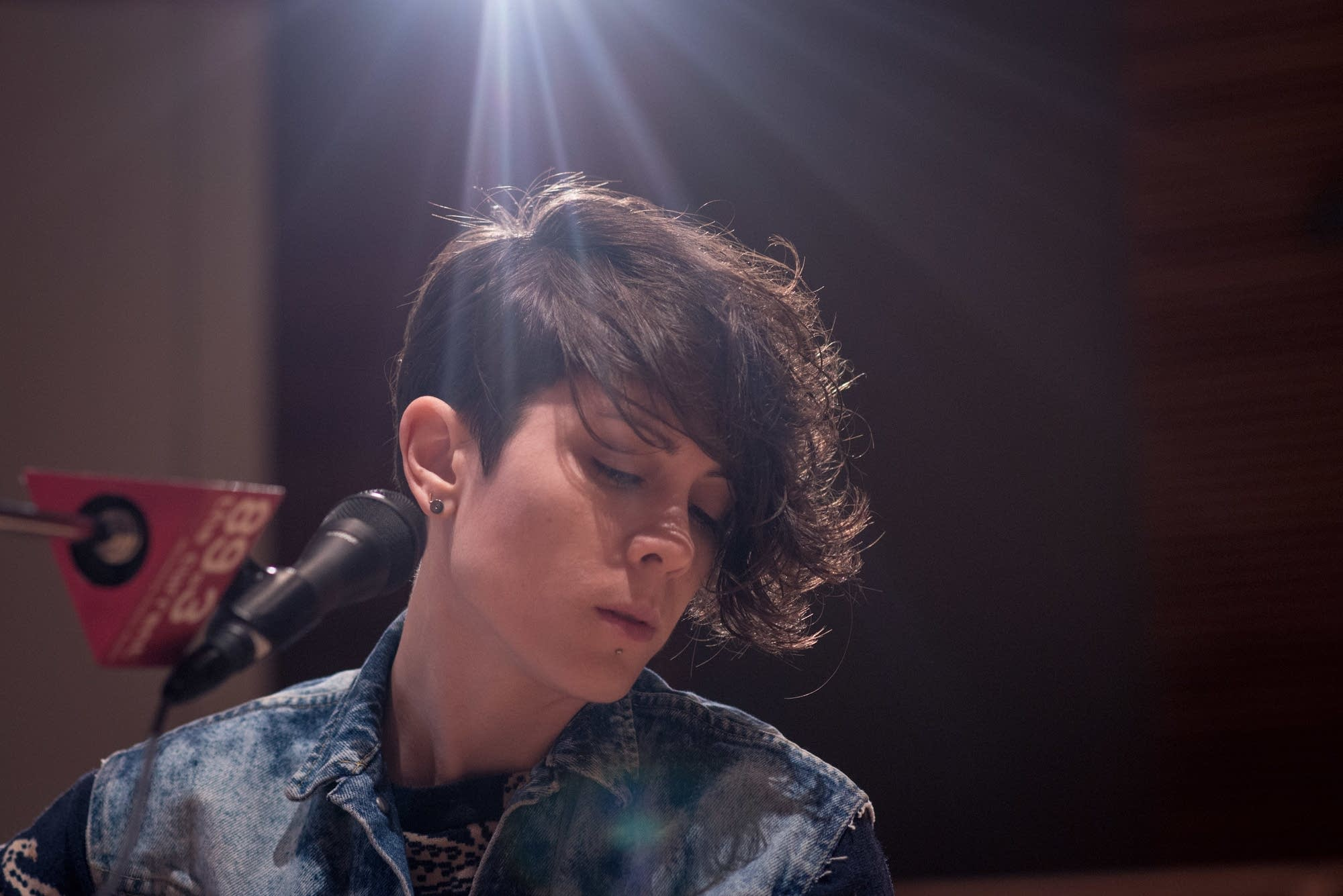 Tegan Sara Return To The Current For A Great Performance The Current