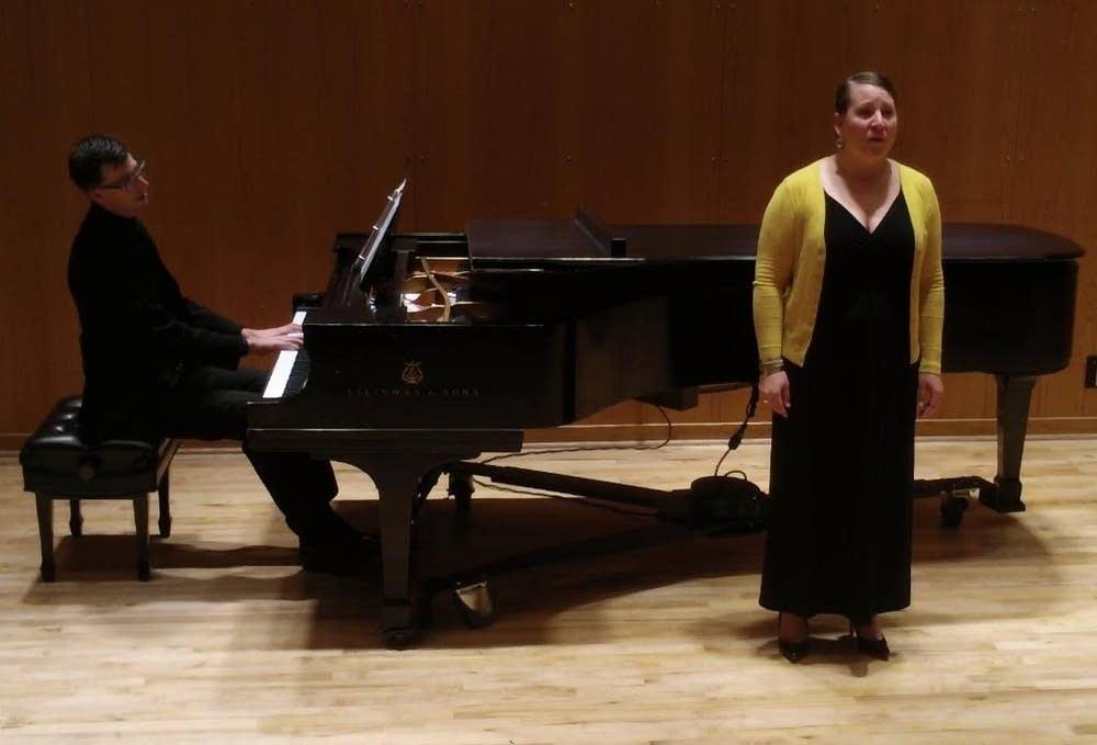 Clara Osowski, Mark Bilyeu