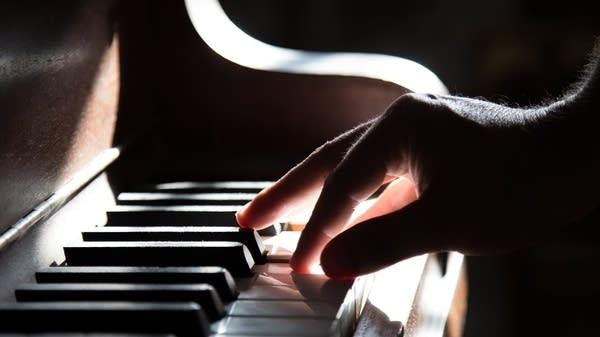 Many music therapists play piano.