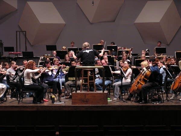 Vanska and orchestra
