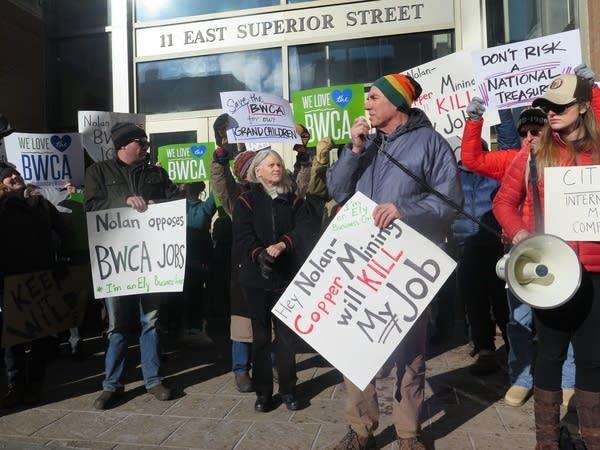 Steve Piragis speaks against copper mining near the Boundary Waters