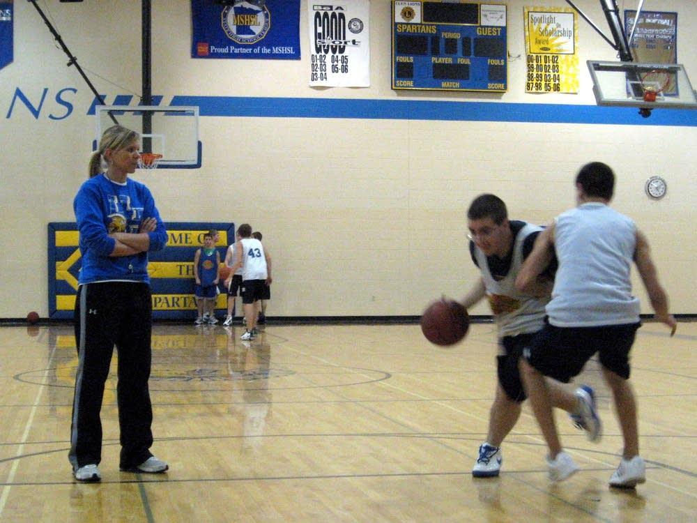 Coach Kelly Anderson