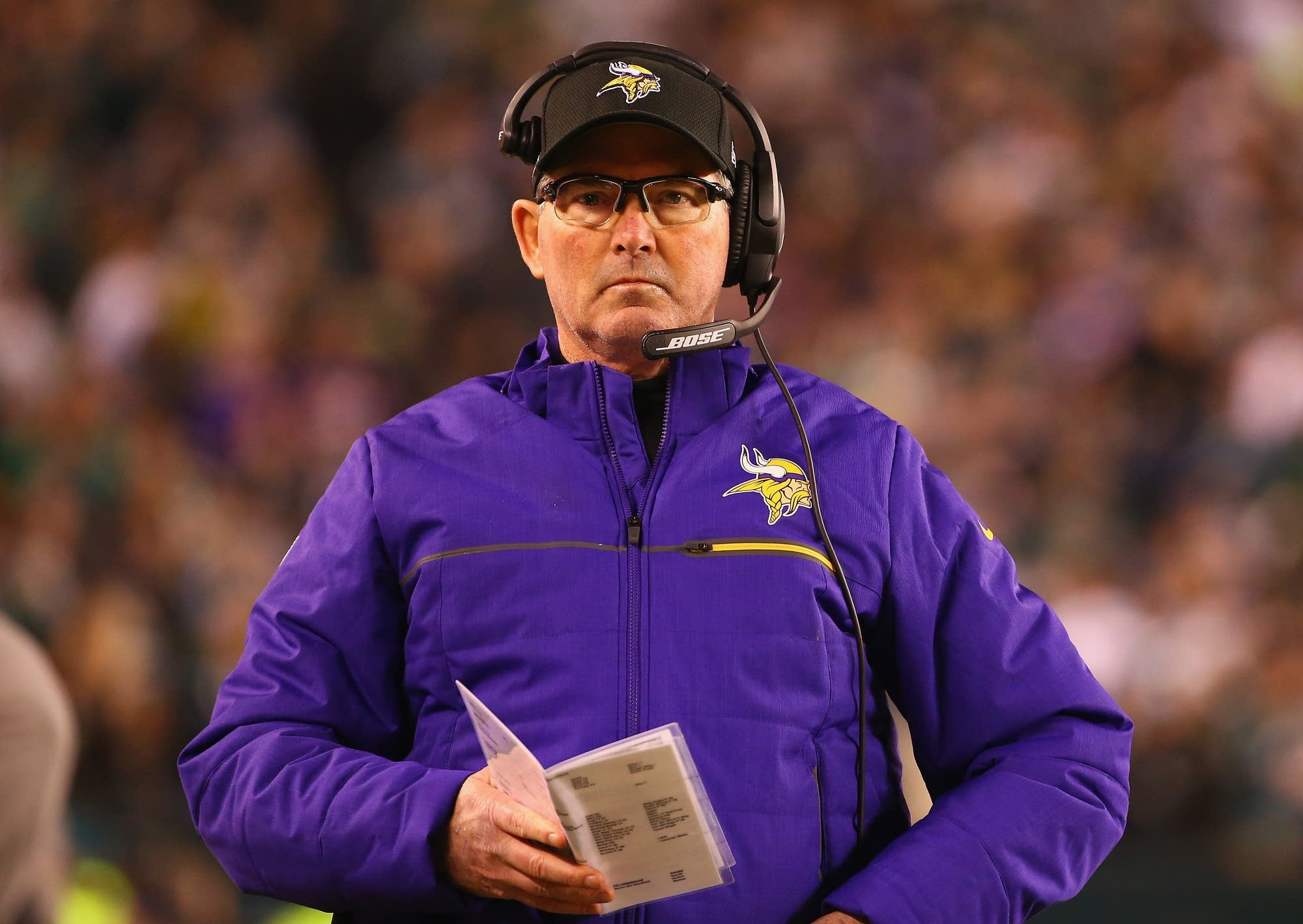 Head coach Mike Zimmer of the Vikings looks on during the first quarter.