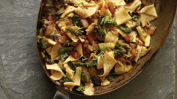 Semolina Noodles with Savoy Cabbage and Onions
