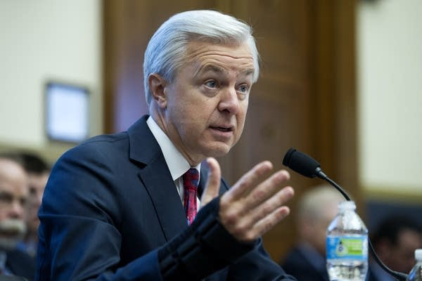 Wells Fargo CEO faces more criticism from lawmakers | MPR News