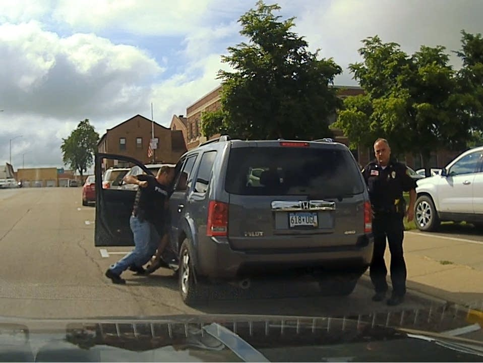 ACLU accuses Minnesota officers of brutalizing suspect