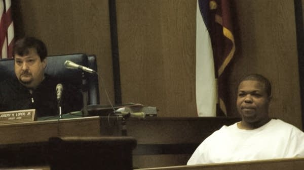 Odell Hallmon testifying at Curtis Flowers' sixth trial in 2010.