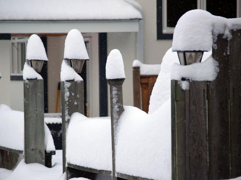 Snow lanterns