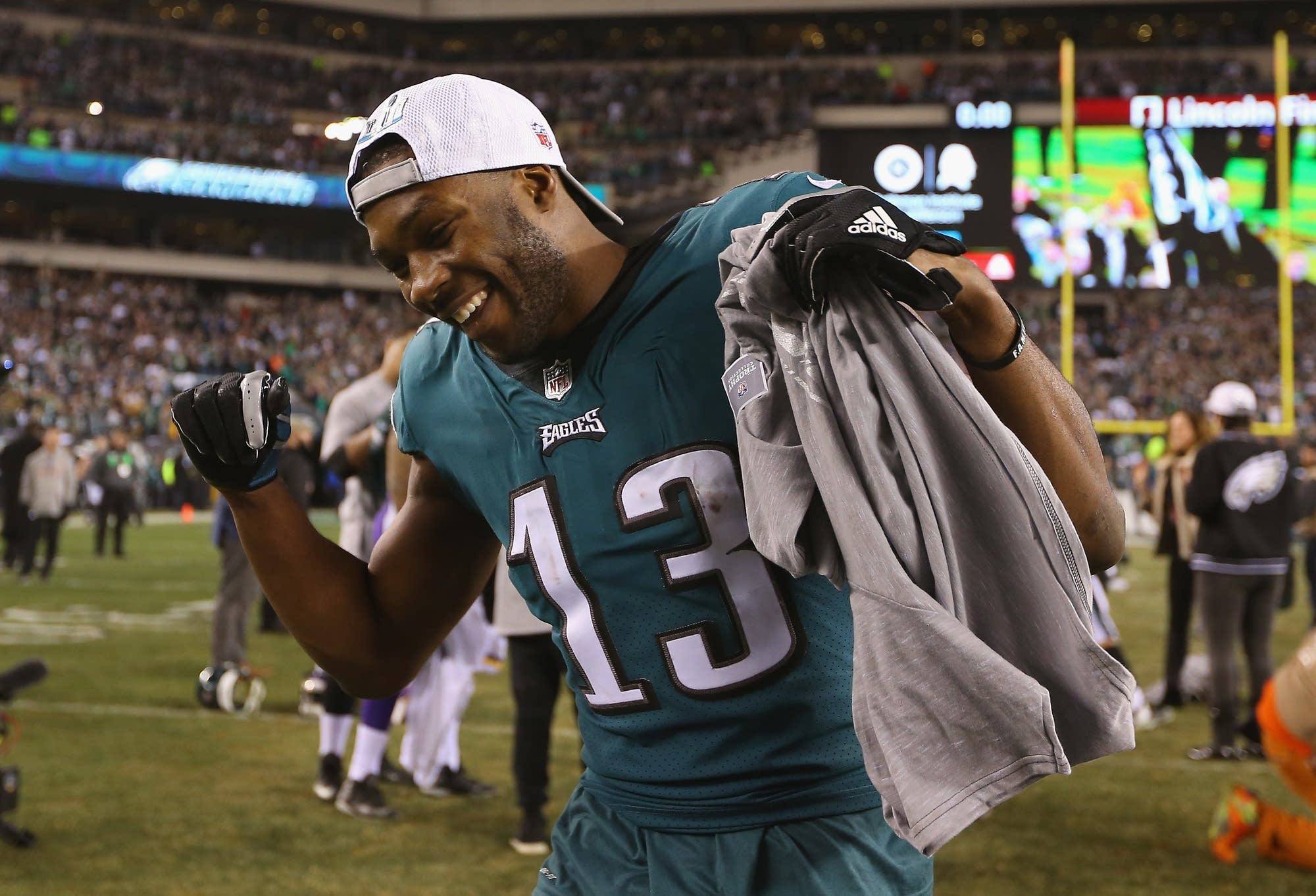 Nelson Agholor (13) of the Philadelphia Eagles celebrates his team's win.