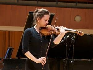 Violinist Maria Ioudenitch