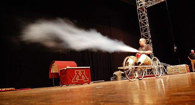 Fire extinguisher rocket
