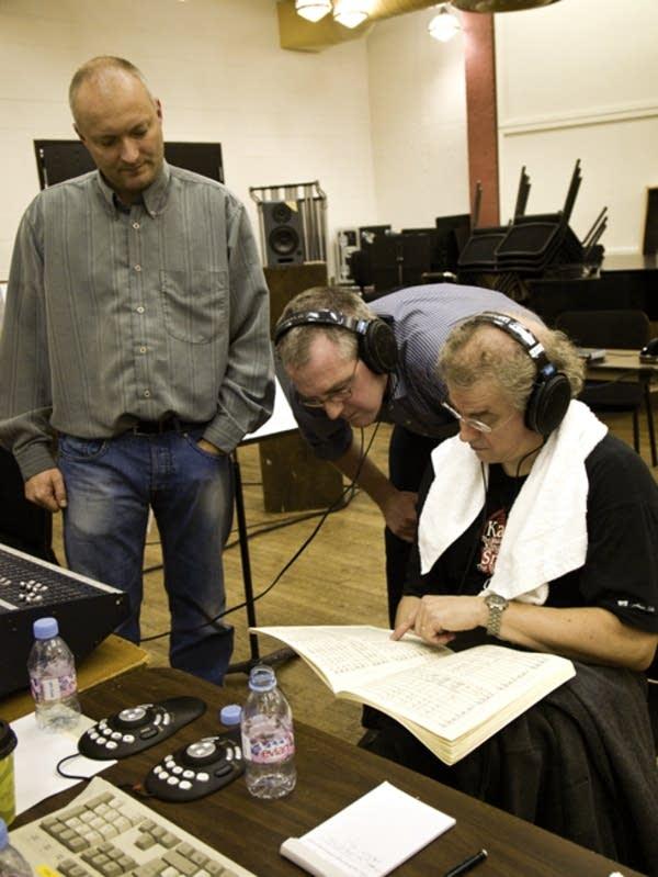 Vanska in a recording session