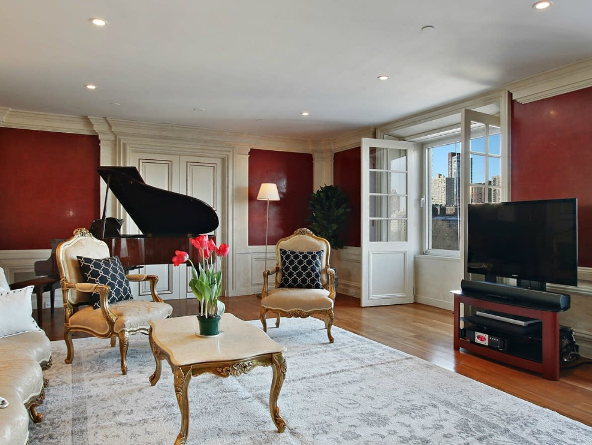Music news you can buy david bowie 39 s apartment and his for David bowie nyc apartment