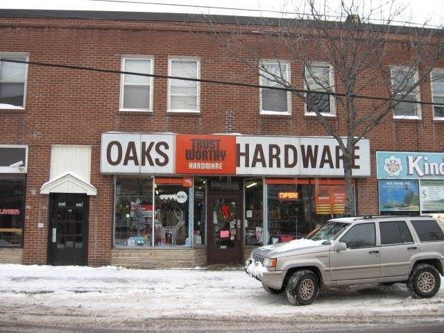 Oaks Hardware
