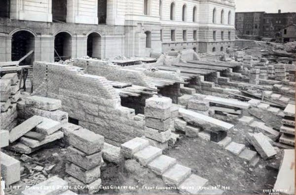 Front foundation steps at the Capitol, April 1902