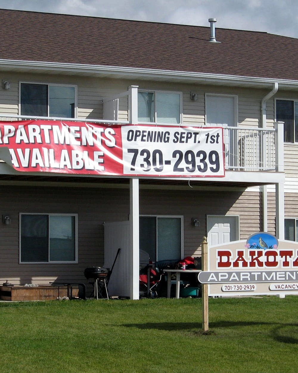 High rents, revenues as oil boom ripples through North Dakota | MPR News