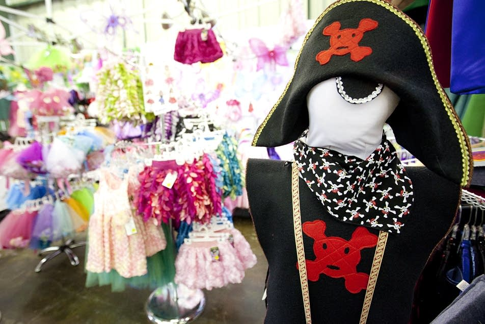 Pirate outfit for girls.