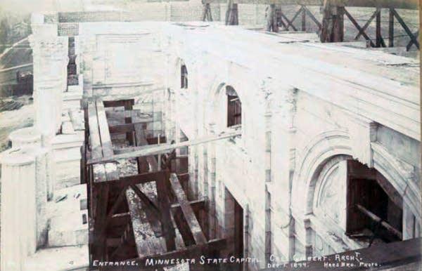 Capitol entrance, Dec. 1, 1899