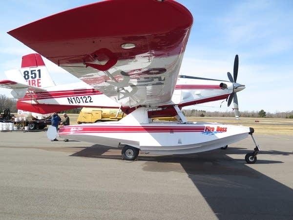 A Fireboss floatplane