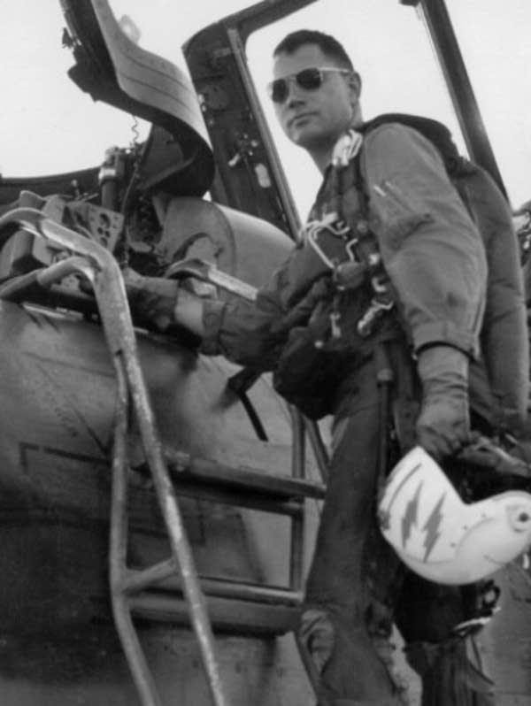 Leo Thorsness, pilot