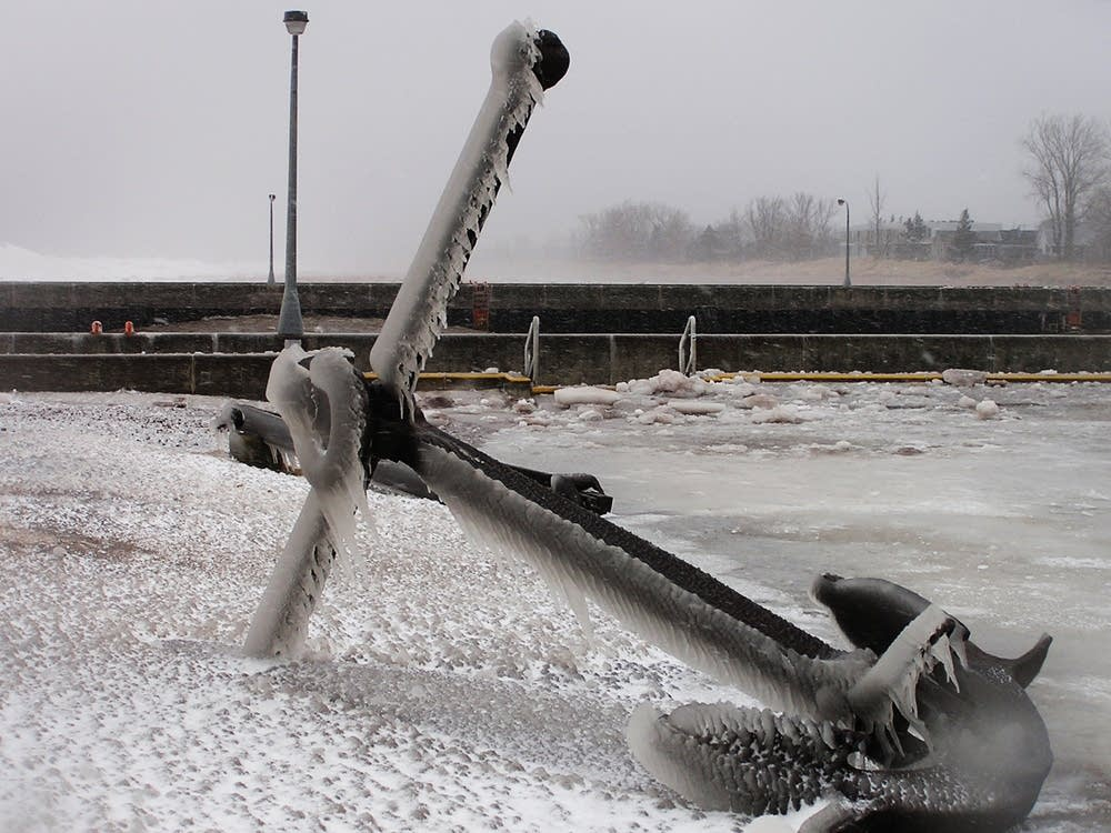 Icy anchor