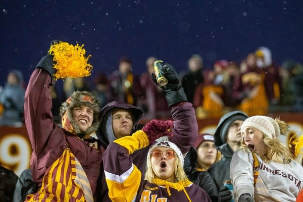 Gophers host Badgers in big college football game