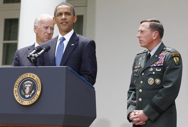 Barack Obama, David Petraeus, Joe Biden