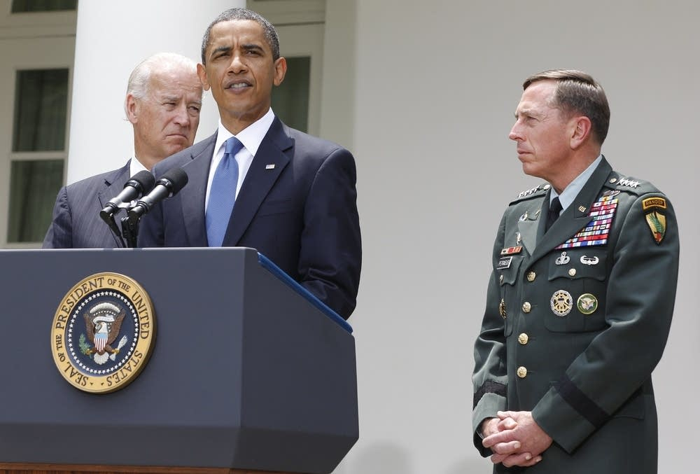 Barack Obama, David Petraeus, Joe Biden