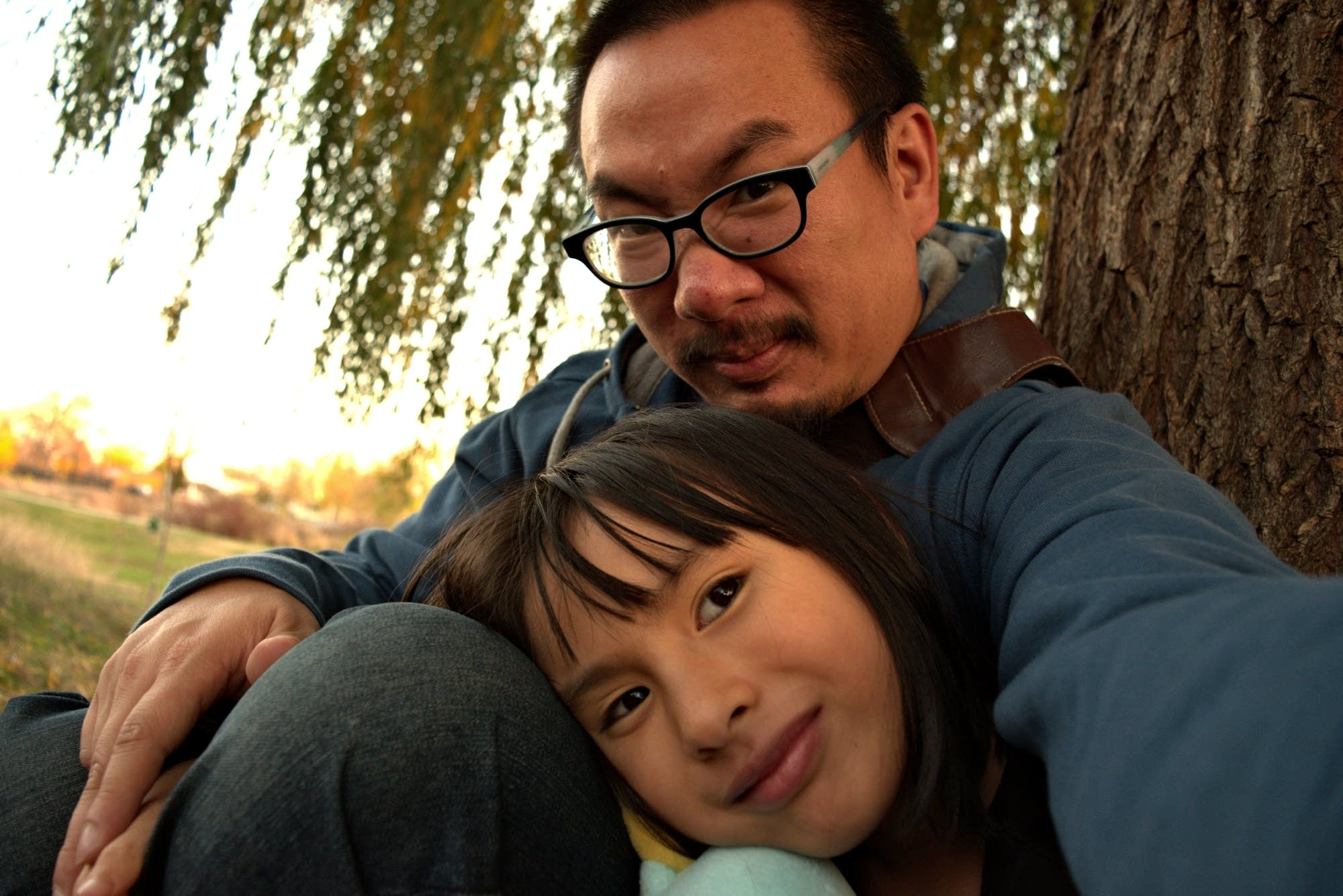 Bao Phi with his daughter Song