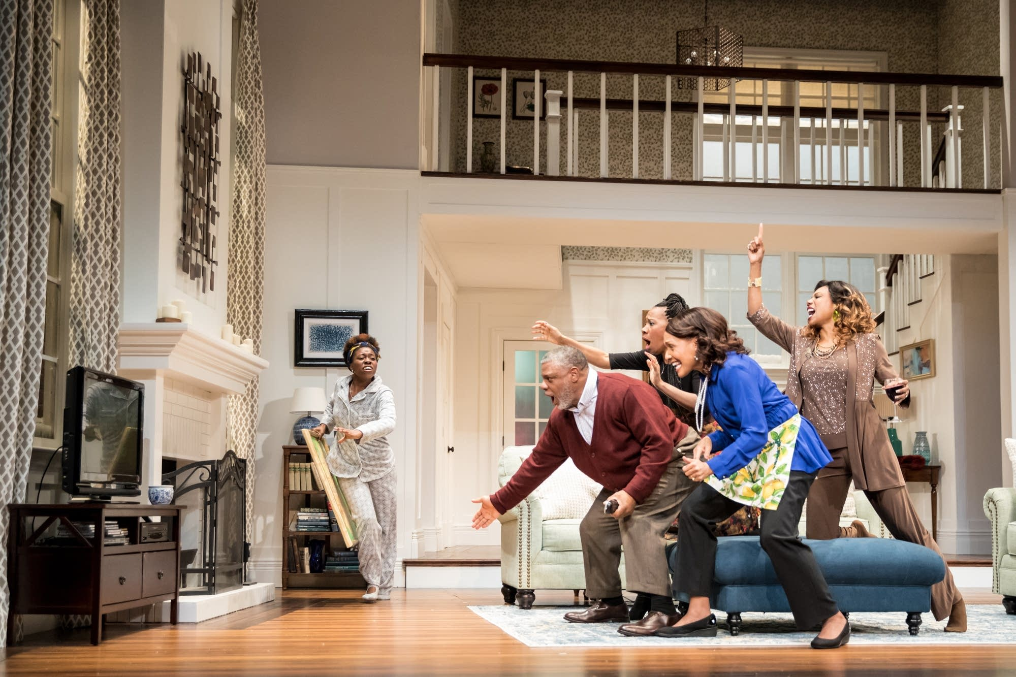 The cast of the Guthrie Theater's production of Familar by Danai Gurira.