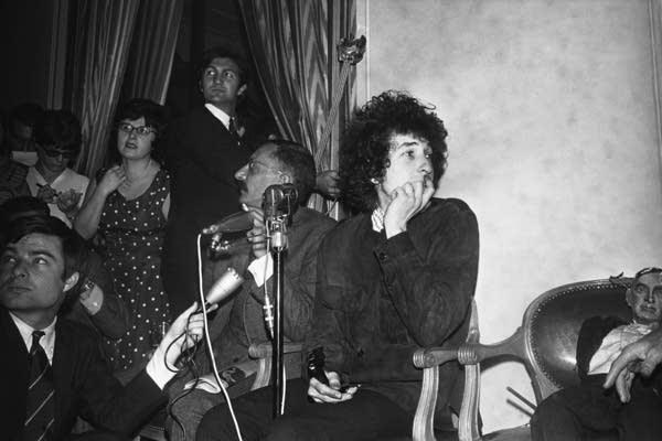 Dylan in Paris