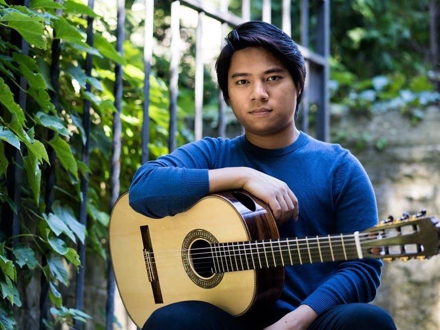 classical guitarist An Tran