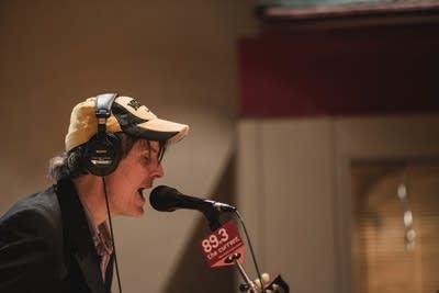 2c4821 20140218 stephen malkmus in studio singing
