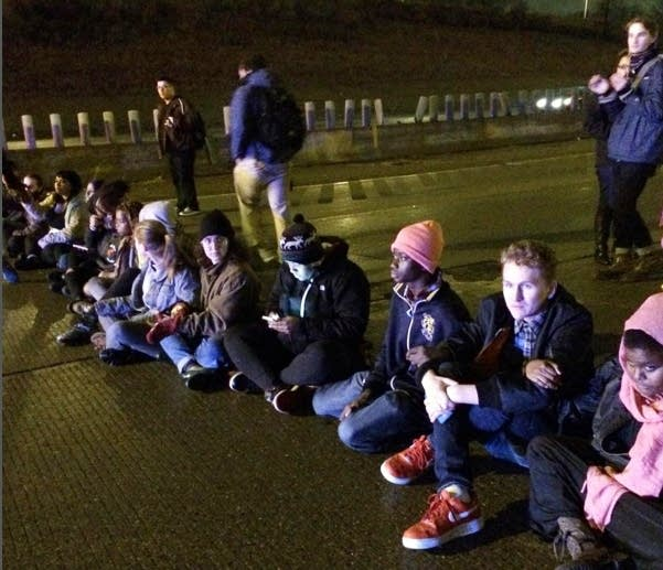 Protesters block northbound Interstate 94